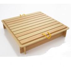 Песочница с деревянным укрытием