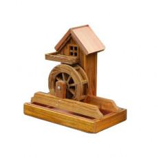 Мельница с водяным колесом